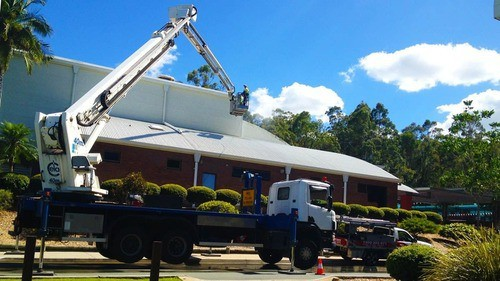 Exterior Commercial Roof Cleaning Brisbane Metal Roof During Truck